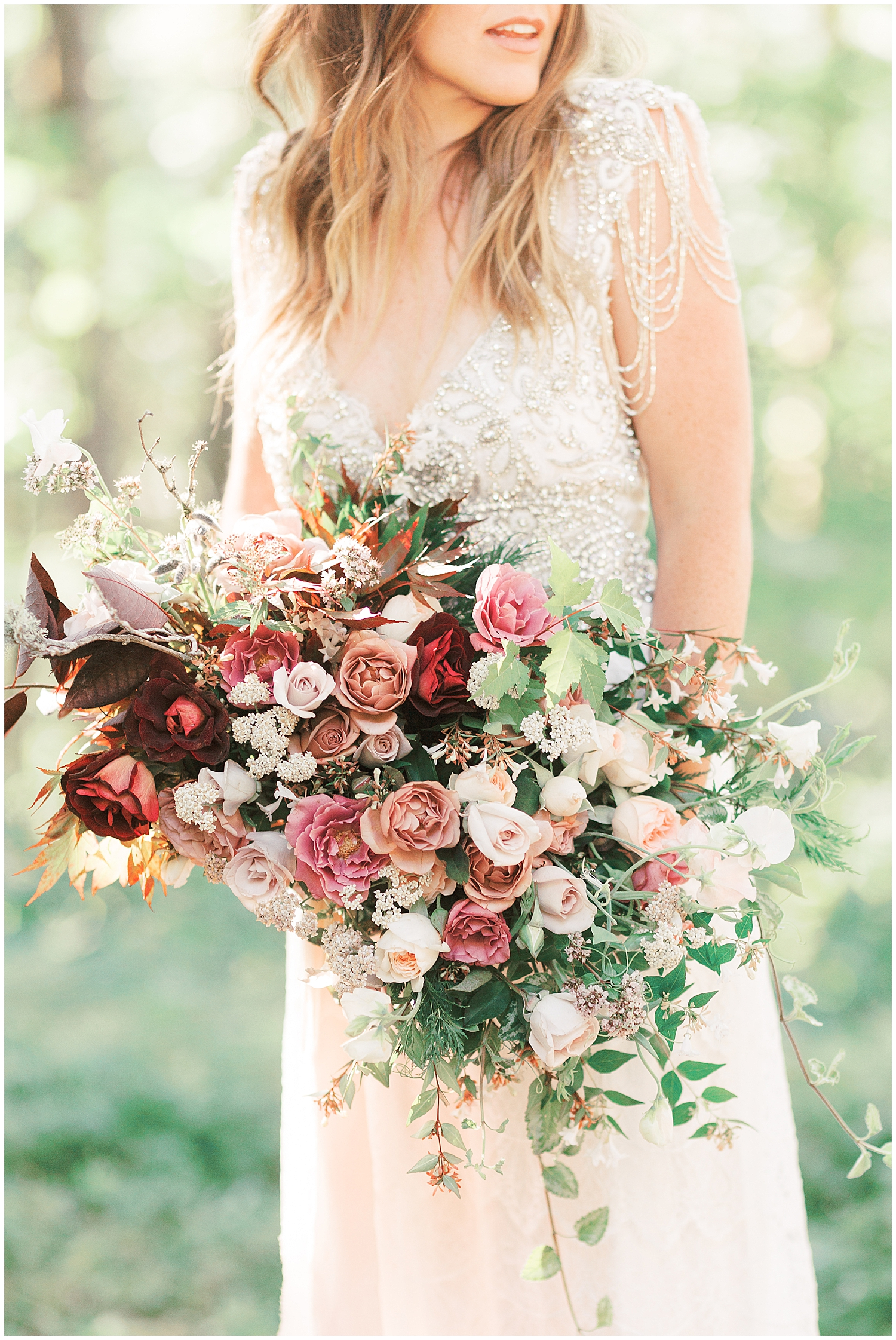 Revel Petals Wedding Bouquet | Latourell Falls Oregon Elopement Wedding Pictures Photography | Waterfall Wedding Pictures | Sam Areman Photo