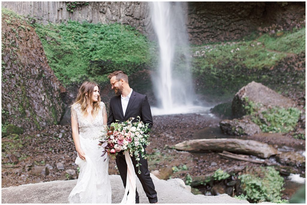 Latourell Falls Oregon Elopement Wedding Pictures Photography | Waterfall Wedding Pictures | Sam Areman Photo